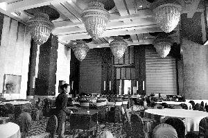 晶刚婚礼拒绝微博直播 酒店将用红外线监控现场